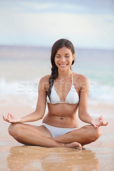 Stock fotó: Meditáció · nő · tengerpart · meditál · óceán · tenger
