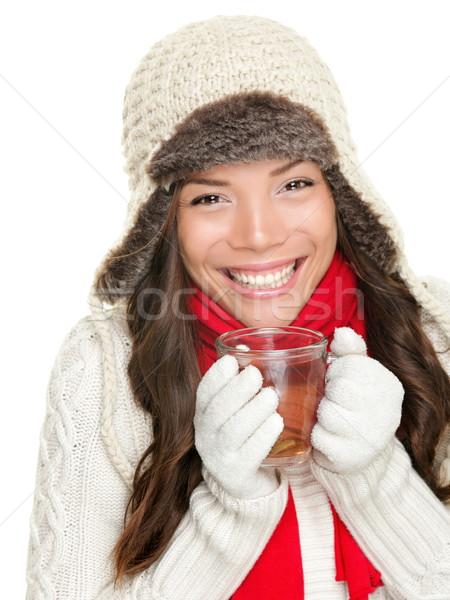 Hiver femme potable thé chaud Photo stock © Maridav