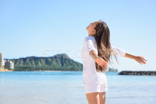 Hawaii utazás nő boldog gondtalan Honolulu Stock fotó © Maridav