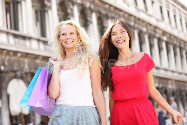 Zakupy dziewcząt dwie kobiety Wenecja Zdjęcia stock © Maridav