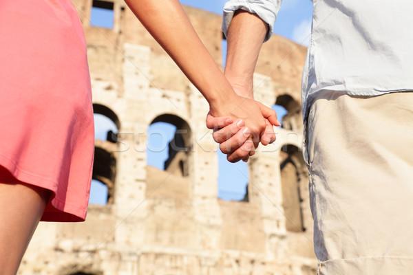 Колизей Рим Италия романтические пару , держась за руки Сток-фото © Maridav