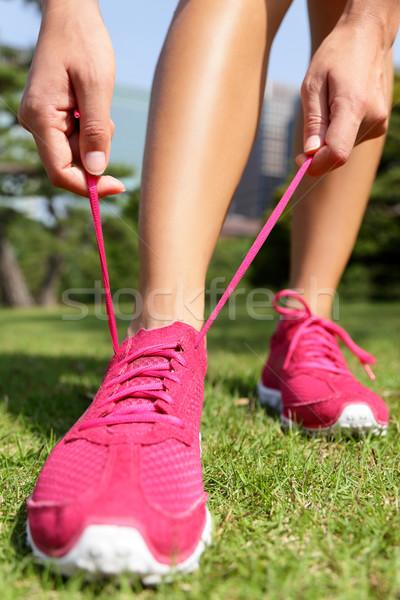 Runner klaar loopschoenen jogging vrouw lopen Stockfoto © Maridav
