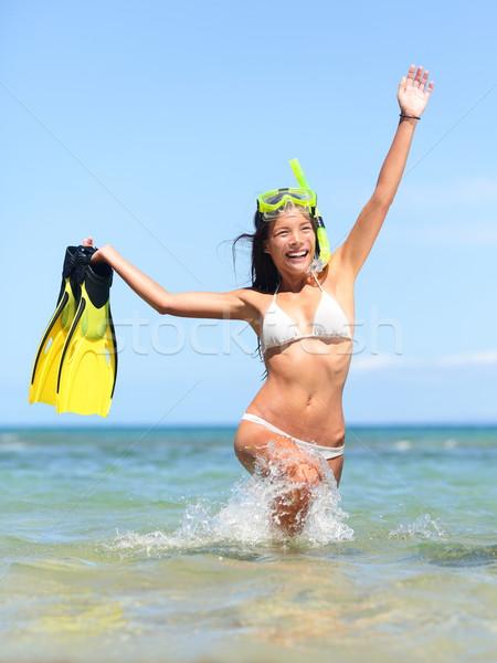 Playa vacaciones mujer feliz ejecutando Foto stock © Maridav