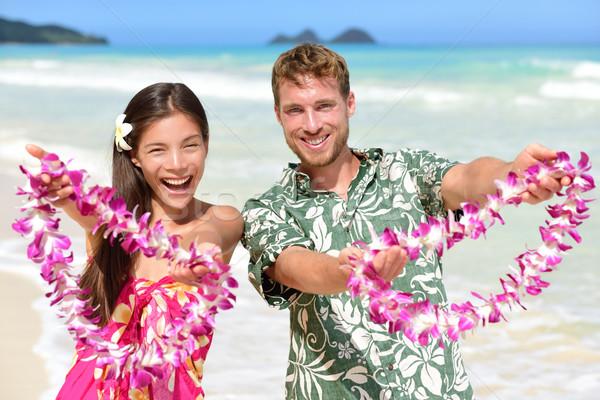 üdvözlet Hawaii emberek mutat virág kézmozdulat Stock fotó © Maridav
