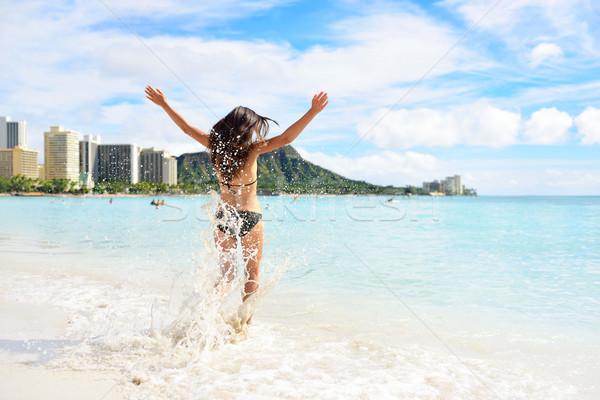 Waikiki tengerpart jókedv boldog nő Hawaii Stock fotó © Maridav