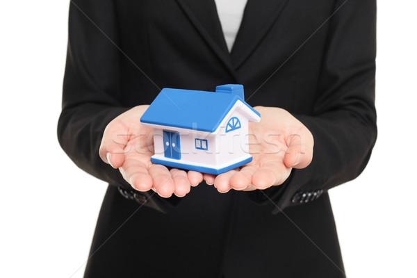 Makelaar tonen klein maat nieuw huis Stockfoto © Maridav