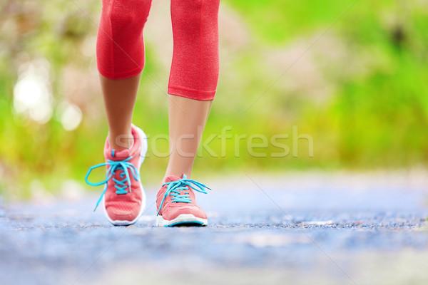 Jogging donna gambe scarpe da corsa femminile Foto d'archivio © Maridav