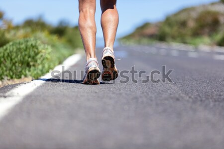Chaussures de course route coureur jambes pieds Photo stock © Maridav