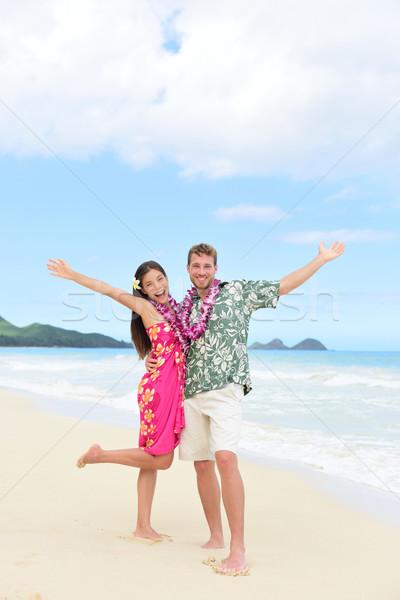 Gelukkig Hawaii leuk paar strandvakantie vakantie Stockfoto © Maridav