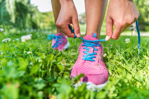 Runner vrouw klaar loopschoenen gezonde actief Stockfoto © Maridav