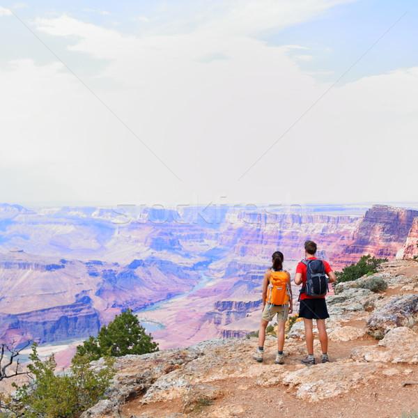 Grand Canyon pessoas caminhadas olhando ver andarilho Foto stock © Maridav