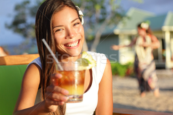 Femme potable alcool boire Hawaii Toast Photo stock © Maridav