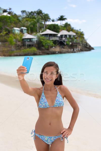 Zdjęcia stock: Plaży · wakacje · podróży · kobieta · telefonu