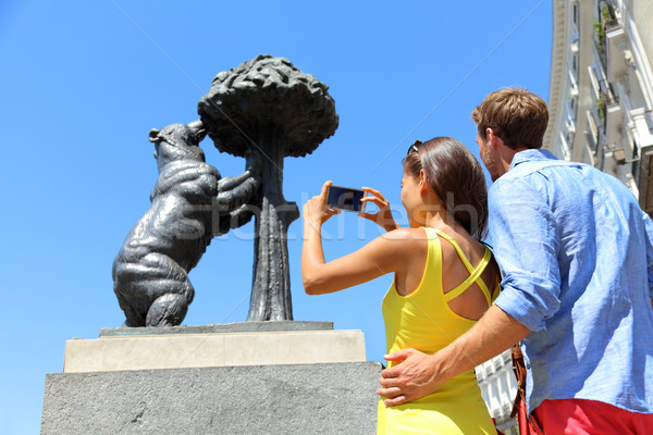 Tourists taking pictures of bear statue in Madrid Stock photo © Maridav