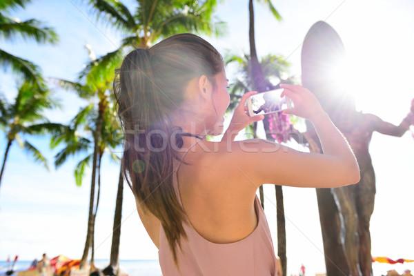 Waikiki turista nő Honolulu Hawaii tengerpart Stock fotó © Maridav