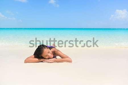Zomer strand vakantie vrouw ontspannen zonnebaden Stockfoto © Maridav