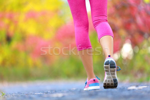 Stockfoto: Jogging · lopen · vrouw · atletisch · benen