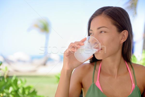 Сток-фото: женщину · питьевой · извести · сока · пляж