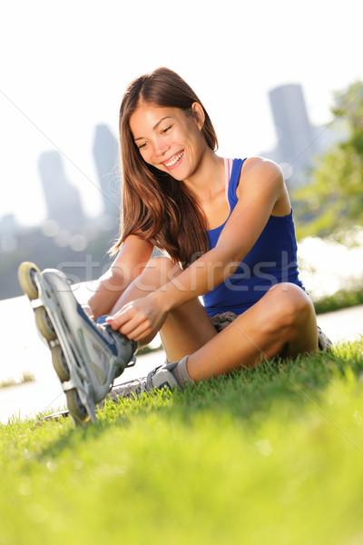 Schaatsen vrouw jonge gelukkig meisje Stockfoto © Maridav