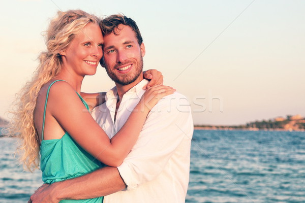 ストックフォト: ロマンチックな · カップル · 愛 · 日没 · ビーチ