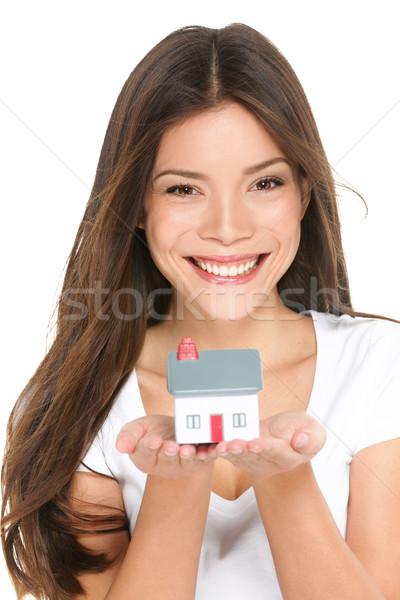 Kopen nieuw huis vrouw klein huis Stockfoto © Maridav