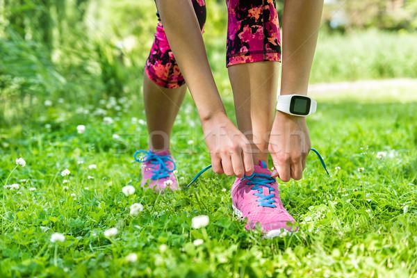 Lány futó fut cipő nyár fogyókúra Stock fotó © Maridav