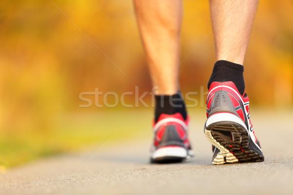 Scarpe da corsa primo piano runner strada caduta autunno Foto d'archivio © Maridav