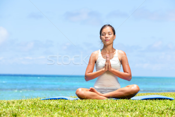 Photo stock: Méditation · yoga · femme · plage · méditer · océan
