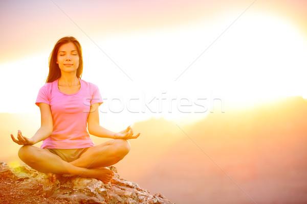 Yoga donna tramonto Grand Canyon femminile Foto d'archivio © Maridav
