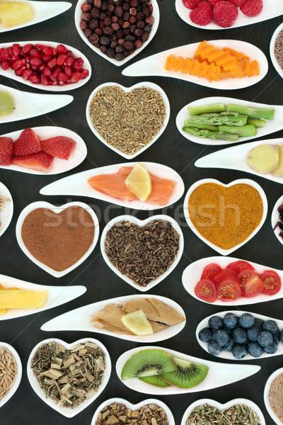 Cuore sano alimentare pesce frutta verdura Foto d'archivio © marilyna