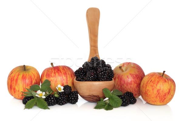 Böğürtlen elma meyve zeytin ahşap kepçe Stok fotoğraf © marilyna