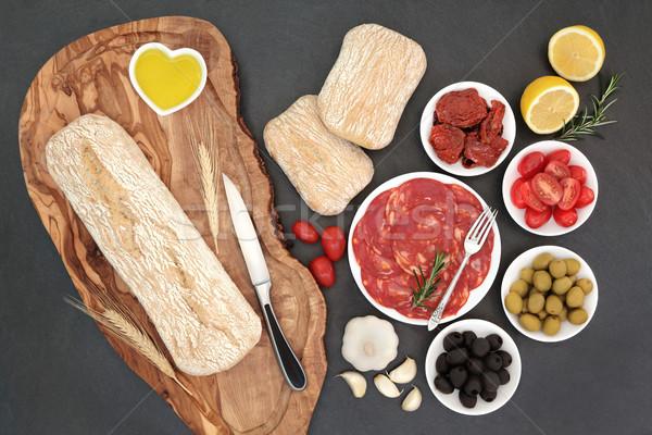 Сток-фото: закуски · оливками · салями · свежие · помидоров · чеснока
