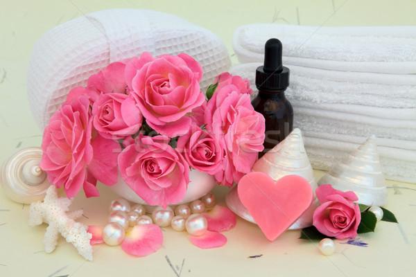 Rózsa szépségápolás rózsaszín rózsa virágok aromaterápia illóolaj Stock fotó © marilyna