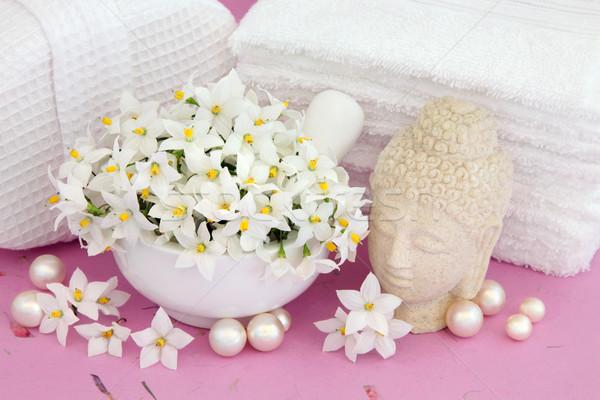 Pureté fleurs buddha perles blanche salle de bain Photo stock © marilyna