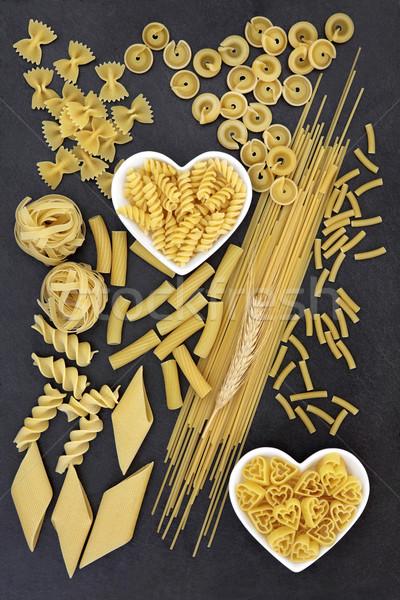 Amor pasta secado espaguetis alimentos posada Foto stock © marilyna