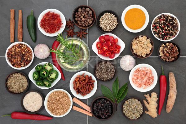 Gyógynövény fűszer öntet nagy étel olívaolaj Stock fotó © marilyna