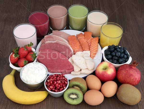 Sağlıklı gıda içecekler vücut inşaatçılar et somon Stok fotoğraf © marilyna
