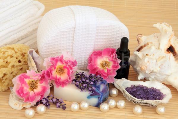 Szépségápolás fürdő aromaterápia kellékek rózsa levendula Stock fotó © marilyna