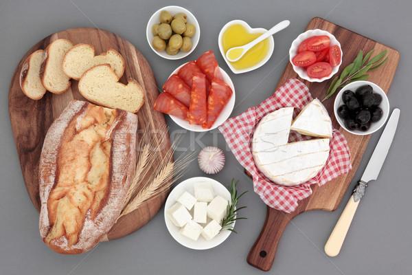 Foto stock: Alimentos · frescos · queijo · camembert · azeitonas · tomates · Óleo