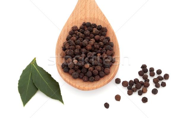 Babérlevél gyógynövény fekete borsszem fűszer fakanál Stock fotó © marilyna