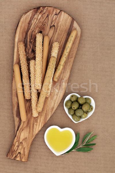 Voorgerechten snack brood olijfolie hout boord Stockfoto © marilyna