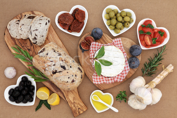 Egészséges tápláló étel friss étel olajbogyó kenyér Stock fotó © marilyna