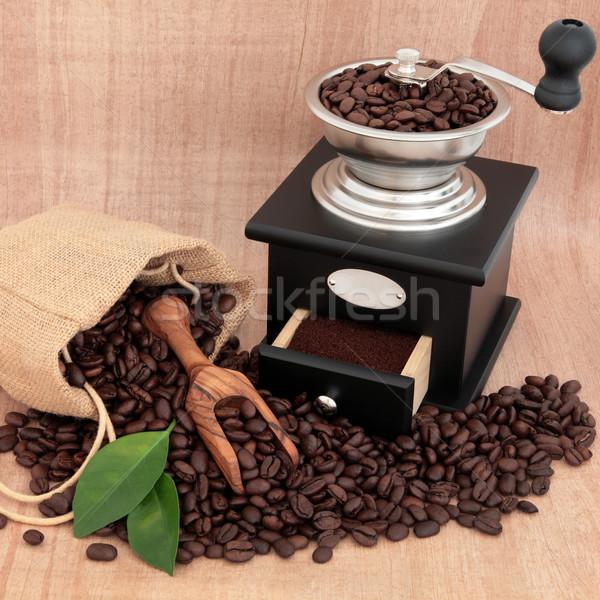Kahve öğütücü fasulye yaprak kahvaltı taze Stok fotoğraf © marilyna