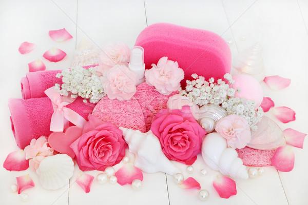 Fürdő szépségápolás fürdőszoba termékek rózsaszín szegfű Stock fotó © marilyna