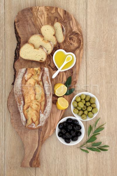 Olajbogyók kenyér lakoma friss házi készítésű olajbogyó Stock fotó © marilyna