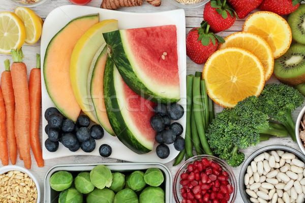 Egészség étel táplálkozás egészséges étel friss gyümölcs zöldségek Stock fotó © marilyna