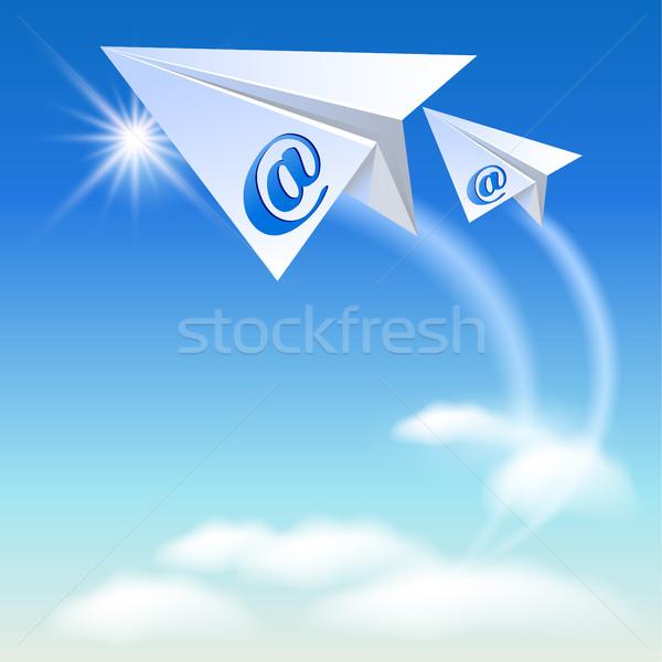 Stock fotó: Kettő · papírrepülő · email · felirat · repülés · felfelé