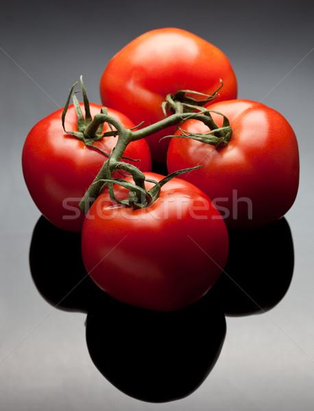 Rojo tomates vid cuatro adjunto Foto stock © markhayes