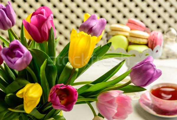 Virágcsokor tulipánok fehér gyönyörű ünnepi torták Stock fotó © markova64el