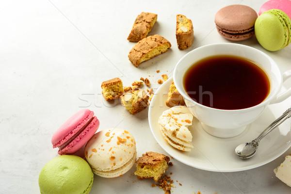 Tea sütik csésze fekete ízletes mandula Stock fotó © markova64el